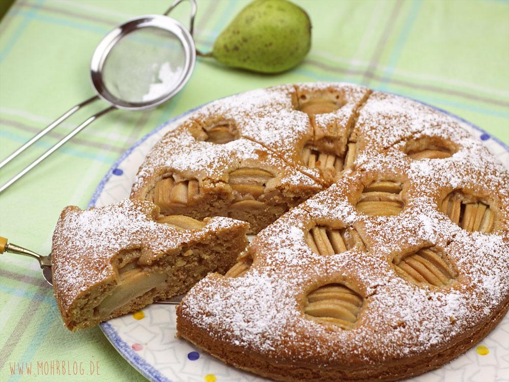 Mandelkuchen mit Birnen