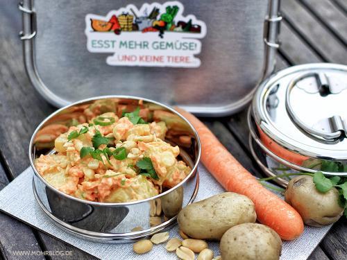 Blitzkartoffelsalat mit Möhren, Erdnüssen und Koriander
