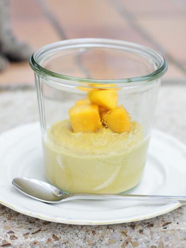 Mango-Hirsepudding