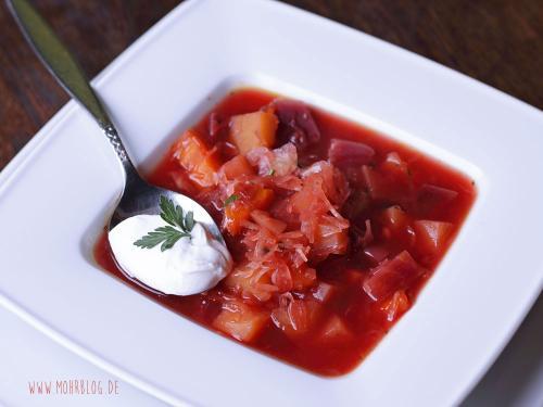 Rote-Bete-Suppe mit Sauerkraut